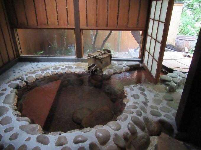 すべてのお部屋に天然かけ流しの温泉つき