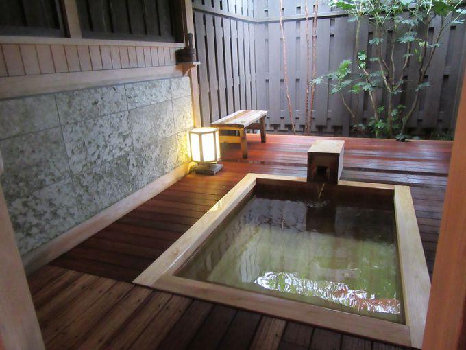温泉は貸切風呂でまわりを気にせずのんびり!