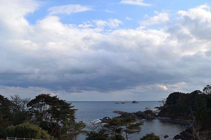 美しい三陸海岸の景色も楽しむ