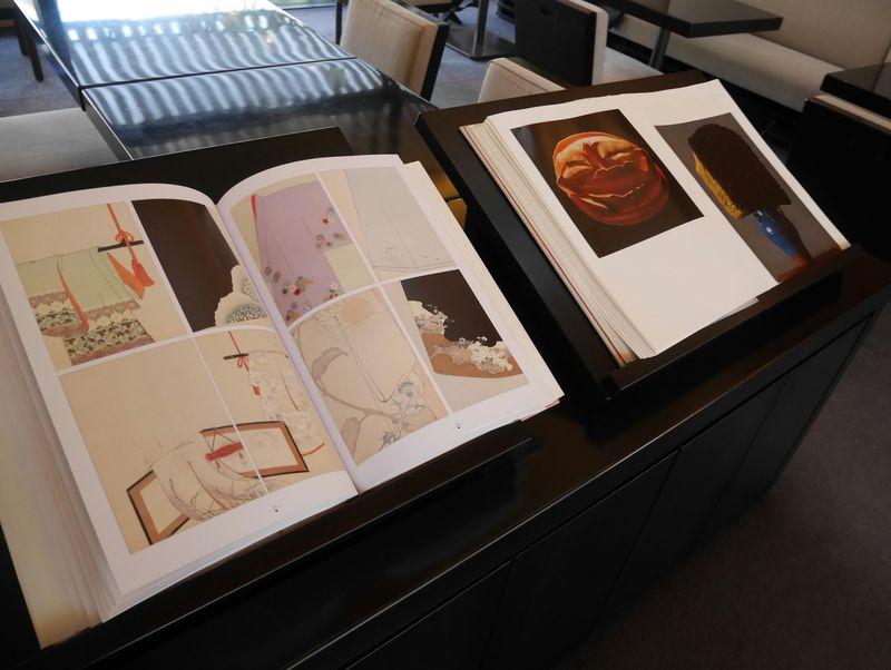 京都や日本の文化に触れることが出来る書籍が数百冊自由に閲覧可能。