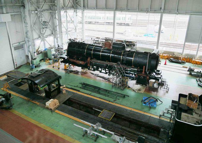 蒸気機関車の修理・検査風景を見ることができるのも京都鉄道博物館ならでは!