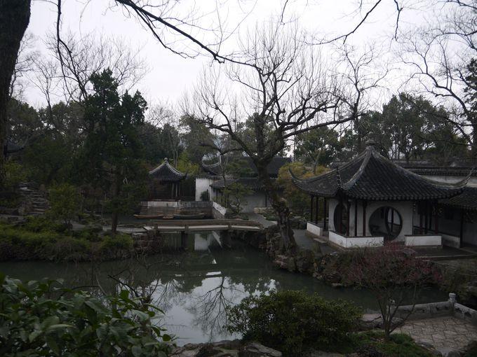 自然と建物の絶妙な調和を見せる明朝様式の最高傑作