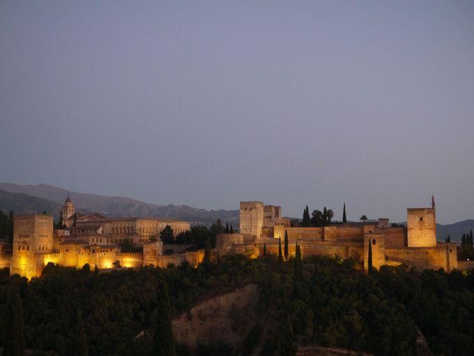 アルハンブラ宮殿を眺めることができるレストランもオススメ