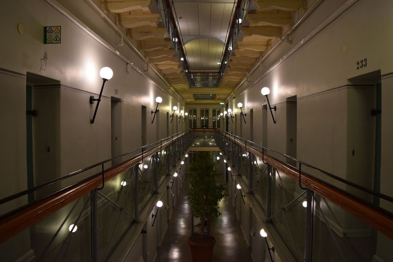 元刑務所とは思えない!自然も多く建物も綺麗なホテル