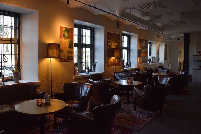 北欧らしさ満点!共有スペース&レストランでゆったり寛ぎ時間
