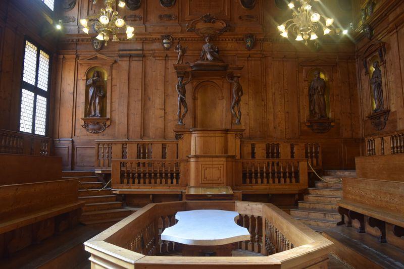 必見の人体解剖室!伊・旧ボローニャ大学「アルキジンナージオ宮」
