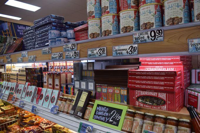 一番のオススメはスーパーの「Trader Joe's」