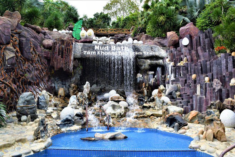 泥温泉を楽しんだ後はプールでゆったりとした時間を!