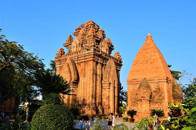 リゾート地で古代チャンパ王国の遺跡を!歴史ある「ポーナガル塔」
