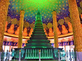 まるでプラネタリウム?「ワット・パクナム」はバンコクの異空間寺院