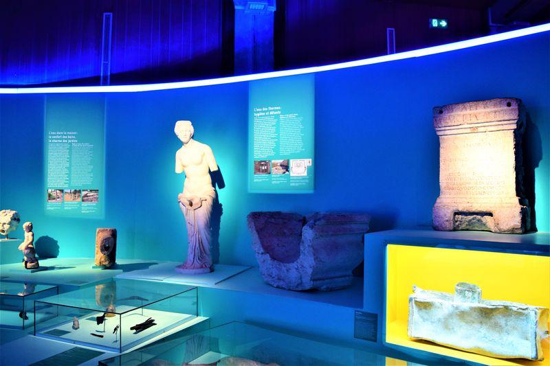 ローマ時代の遺跡に触れ合える「ガロ・ロマン文明博物館」