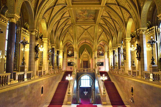 まるでお城!豪華絢爛な国会議事堂