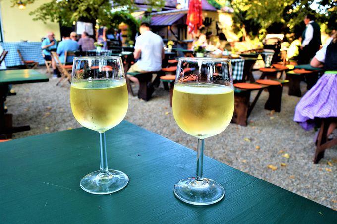 一杯からOKの「ホイリゲ」で美味しいワインを!