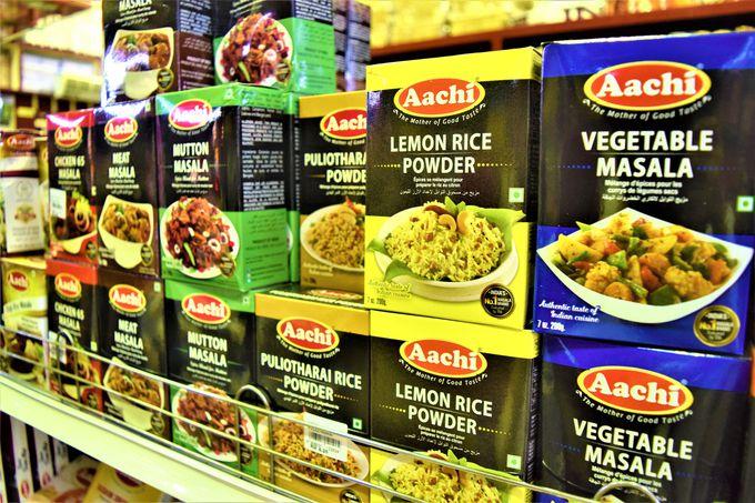 スパイスやインド食品がたくさん!まさにインドのスーパー