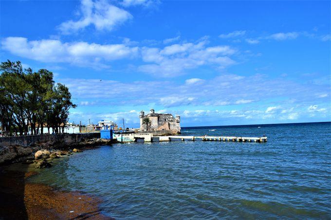 「老人と海」の舞台!美しい海が望めるコヒマル