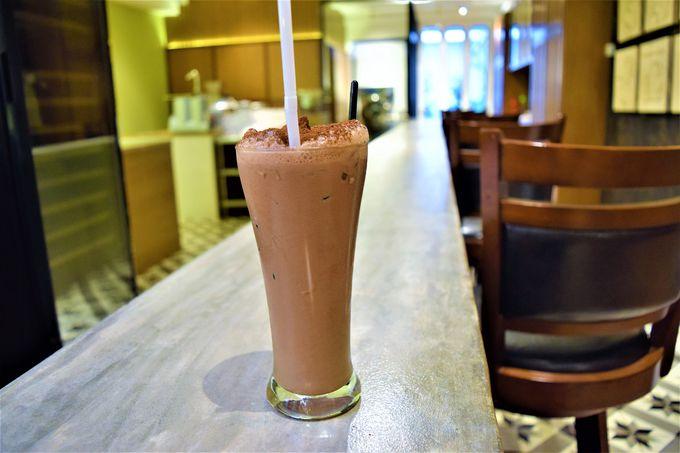 マレーシア高級チョコ「ベリーズ」のカフェで甘いひととき