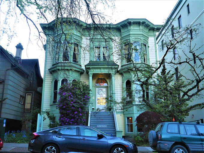100年以上前の邸宅で素敵な外観!お部屋もキレイで快適!