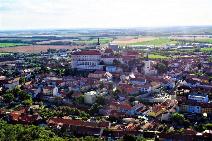 見晴らし最高!「聖なる丘」からミクロフの街を見よう