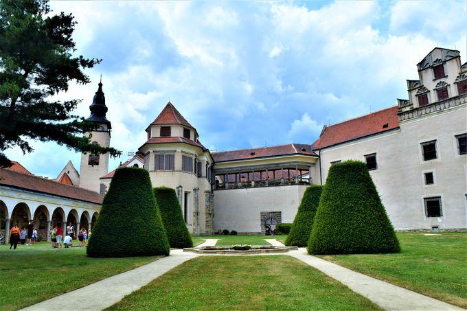 13世紀からテルチを見守るテルチ城