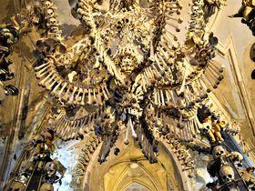 プラハから1時間!骸骨と大聖堂の街「クトナー・ホラ」で街歩き