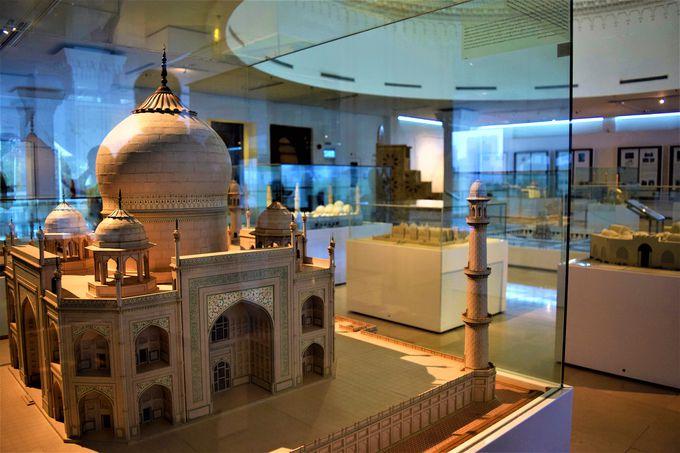 世界各国のミニチュアモスクの展示も!天井にも注目