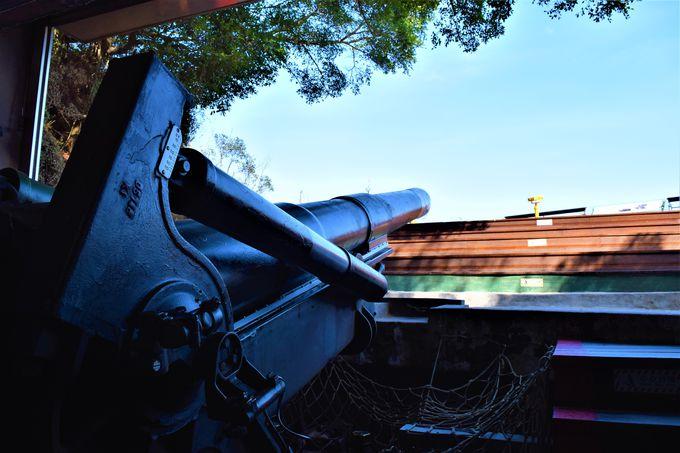 大規模な大砲が迫力満点!「獅山砲陣地」