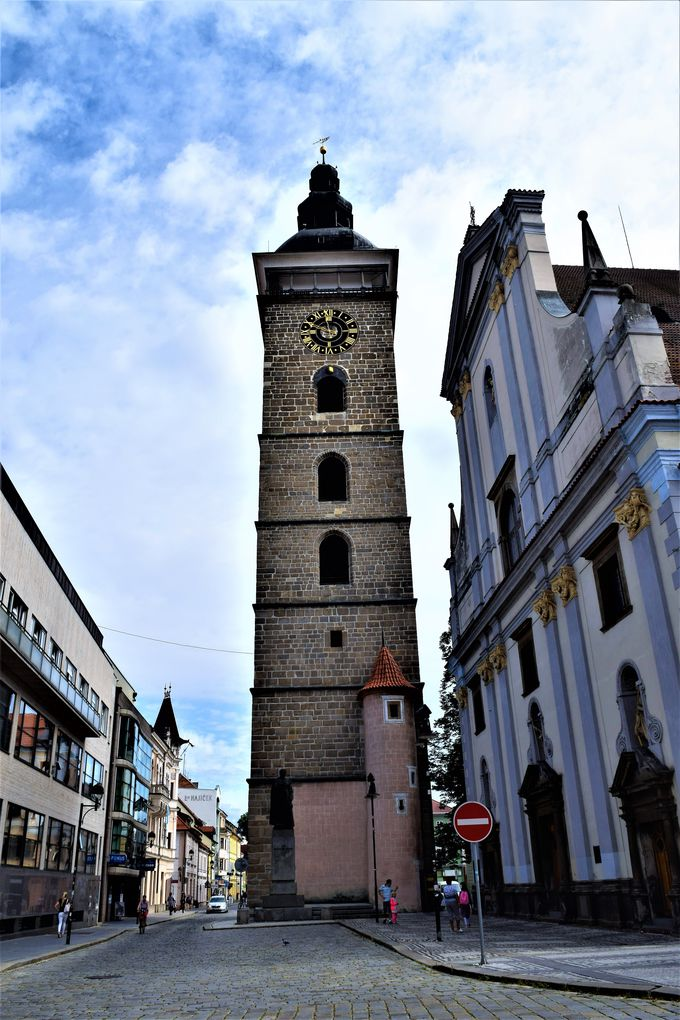 旧市街が見渡せる!街のシンボル黒塔
