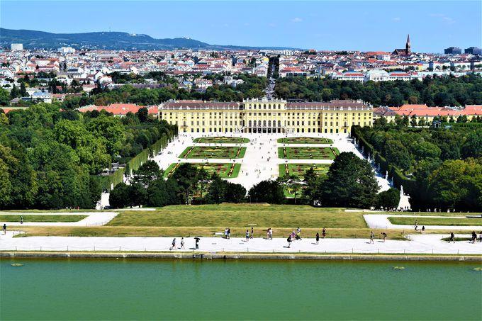 絶景!宮殿とウィーン市内が見渡せる庭園