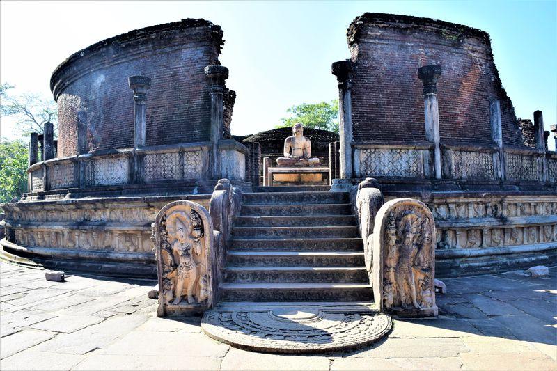 仏教の聖地!スリランカの古都「ポロンナルワ」で見る仏教の繁栄