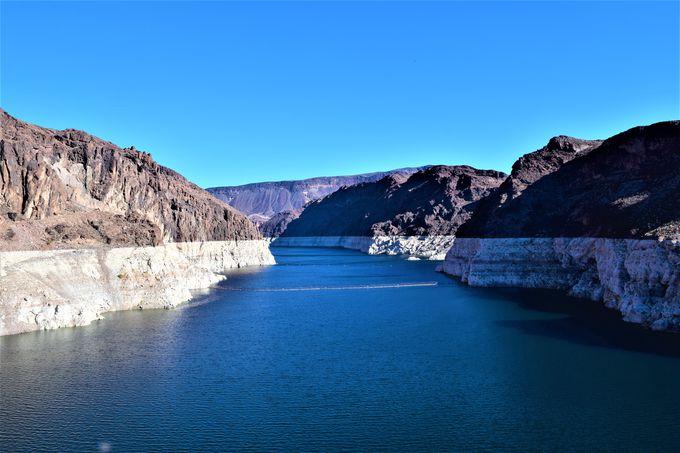 大きさにびっくり!3州の電力を賄う巨大ダム