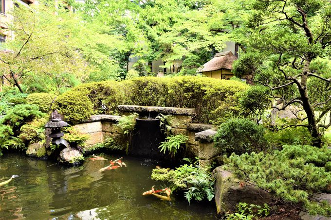 日本庭園も!広々とした開放感あるロビー