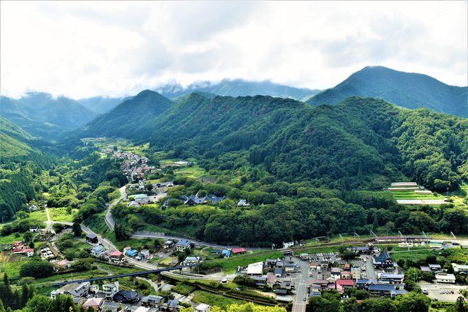 眺めが最高!山寺のハイライト「五大堂」
