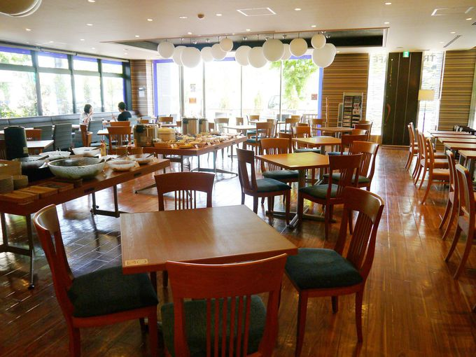 併設のカフェレストラン「トラベルカフェ」
