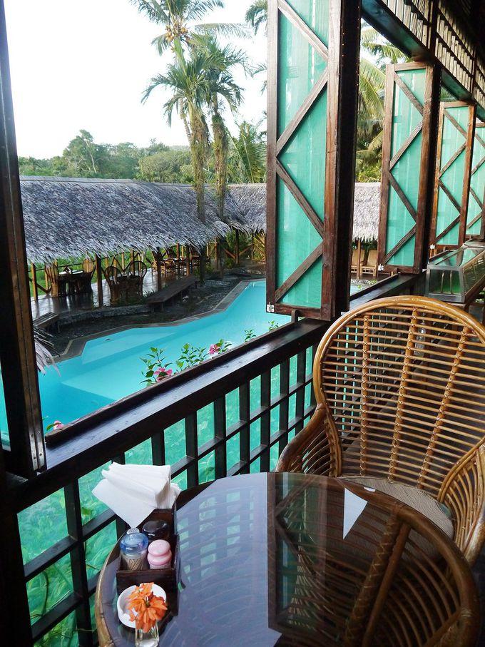 プールにレストラン、充実のリゾート施設