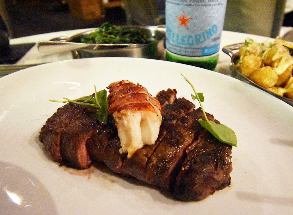 ハワイでがっつりアメリカンなお肉