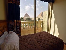 絶景の宿でエジプトギザの三大ピラミッドに浸る!1泊2日モデルプラン