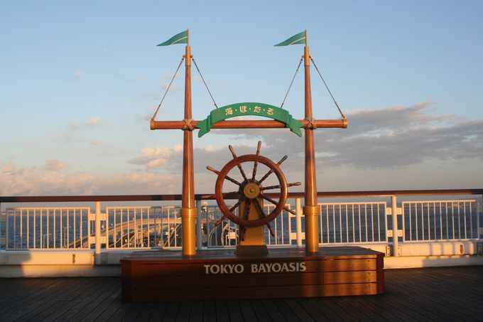 東京湾アクアラインの海ほたるとはこういう場所