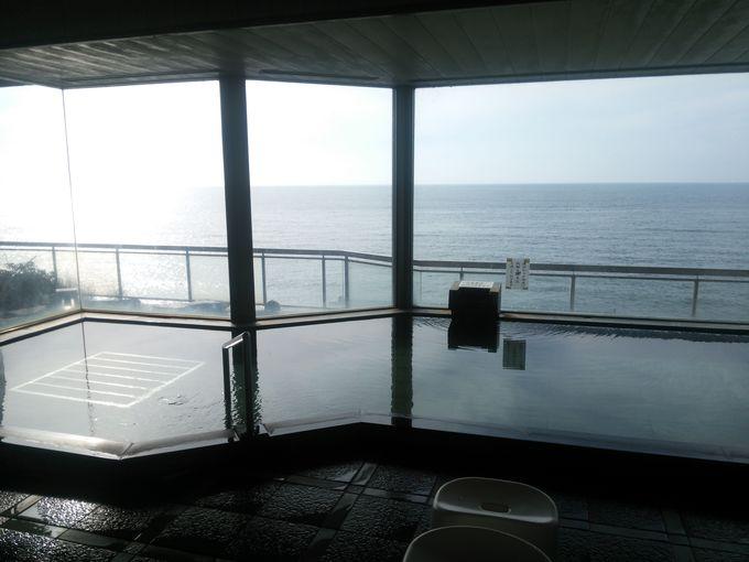 日本海に面した瀬波温泉「瀬波はまなす荘」のお風呂
