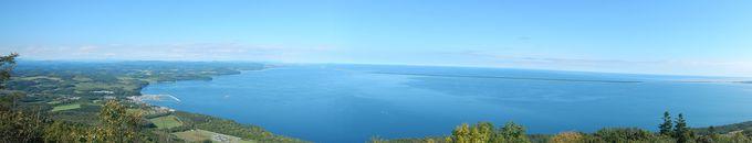 パノラマの絶景!サロマ湖とオホーツク海を一望