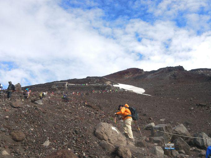 富士宮口ルートは距離は短いですが、急登の連続