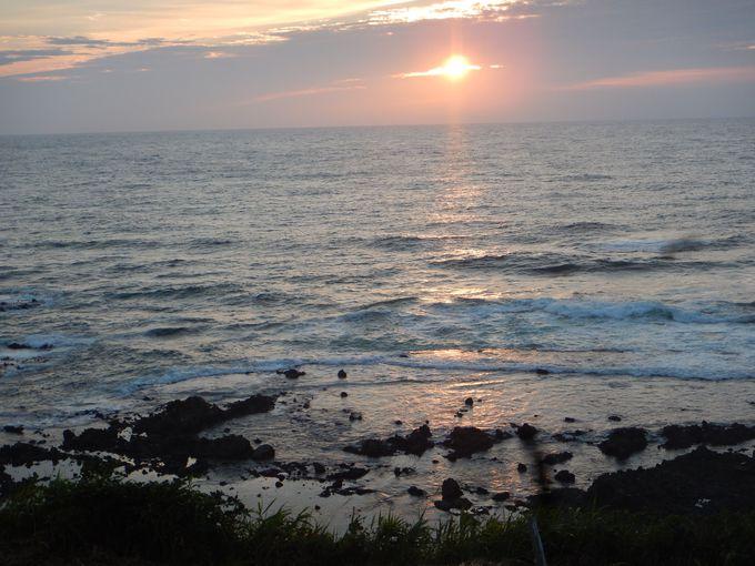 オーシャンビューの部屋からも日本海に沈む夕陽一望