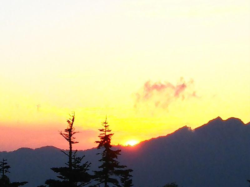 新穂高ロープウェイ&西穂山荘宿泊で北アルプスのパノラマ絶景を満喫
