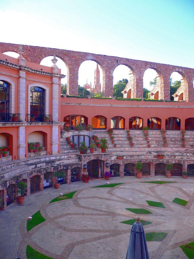 闘牛場を改装した高級ホテル「キンタ・レアル・サカテカス」