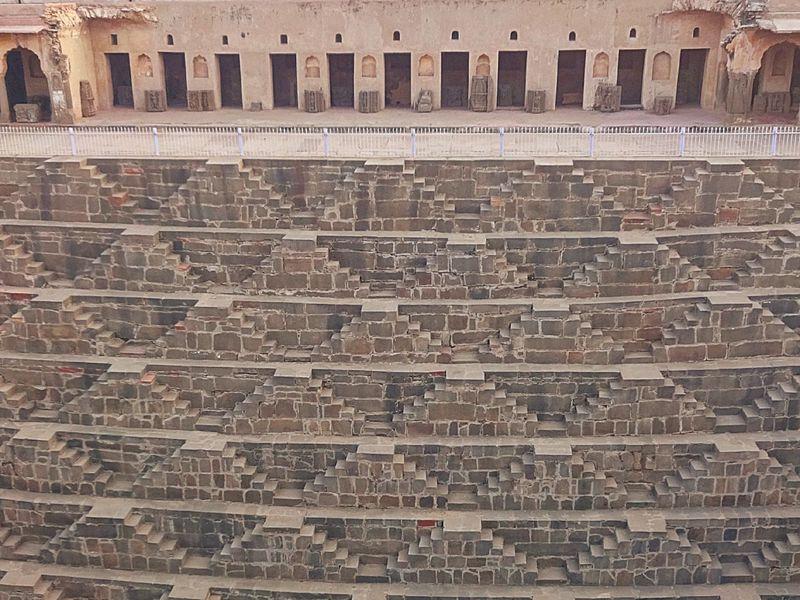 信じられますか?1200年前の英知が実った機能美〜インド・チャンドバオリの階段井戸