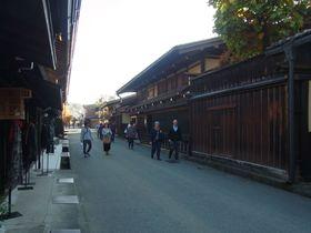 小京都・飛騨高山の古い町並みを歩く