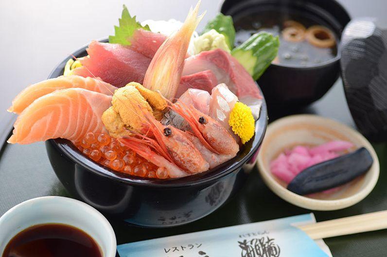 漁港そば!愛知「一色さかな広場」で海鮮丼やうなぎをお得に満喫