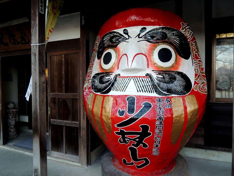 縁起だるま発祥の地!高崎「少林山達磨寺」で癒しの寺さんぽ