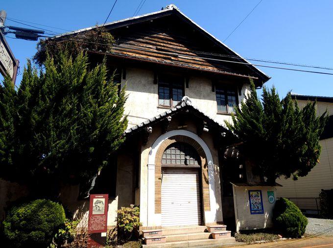 木造とタイルのレトロ建築・「旧今津郵便局」