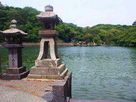 鯛が泳ぐ「明神池」に世界最小の火山「笠山」萩は自然探索も面白い!