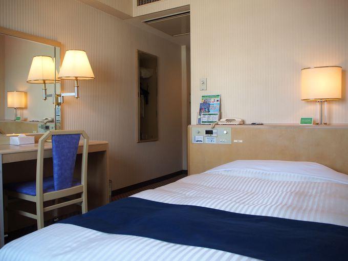 ビジネスホテルと思えない優雅な雰囲気のロビー&客室